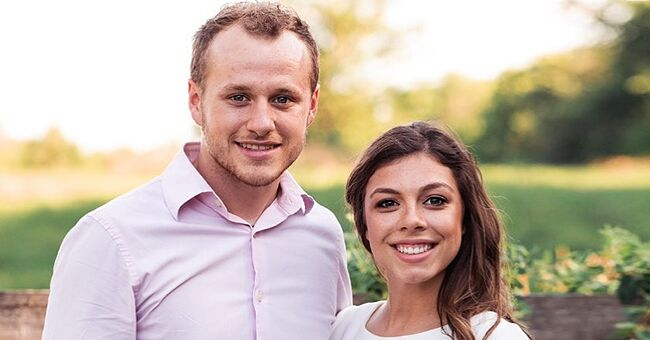 Lauren and Josiah Duggar from 'Counting On' Share Sneak Peek of 1st Family Photo with Daughter Bella at Home