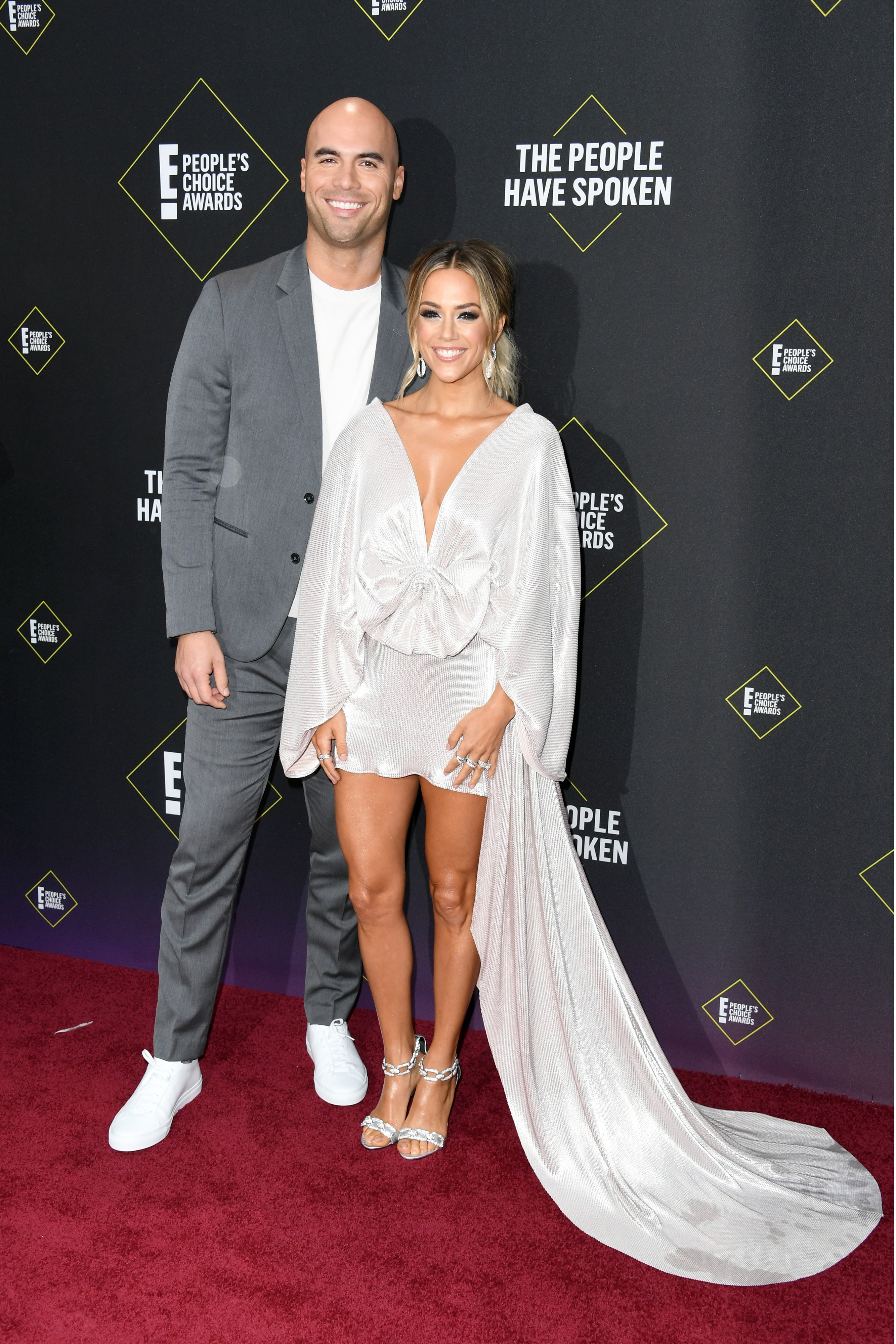 Jana Kramer and Mike Caussin attend the 2019 E! People's Choice Awards in California | Photo: Getty Images
