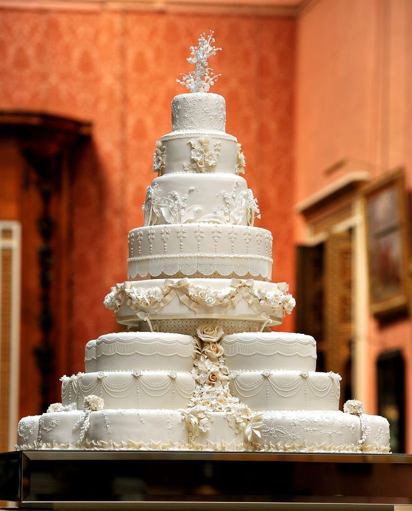 Prince William and Duchess Meghan's wedding cake on April 29, 2011 in central London, England | Source: Getty Images/Global Images Ukraine