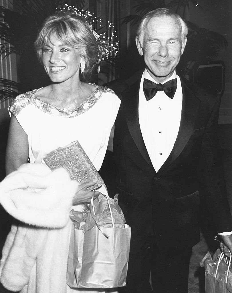 Johnny Carson and Alex Maas attending the American Film Institute Awards at the Beverly Hilton Hotel, California, March 6th 1986 | Photo: GettyImages