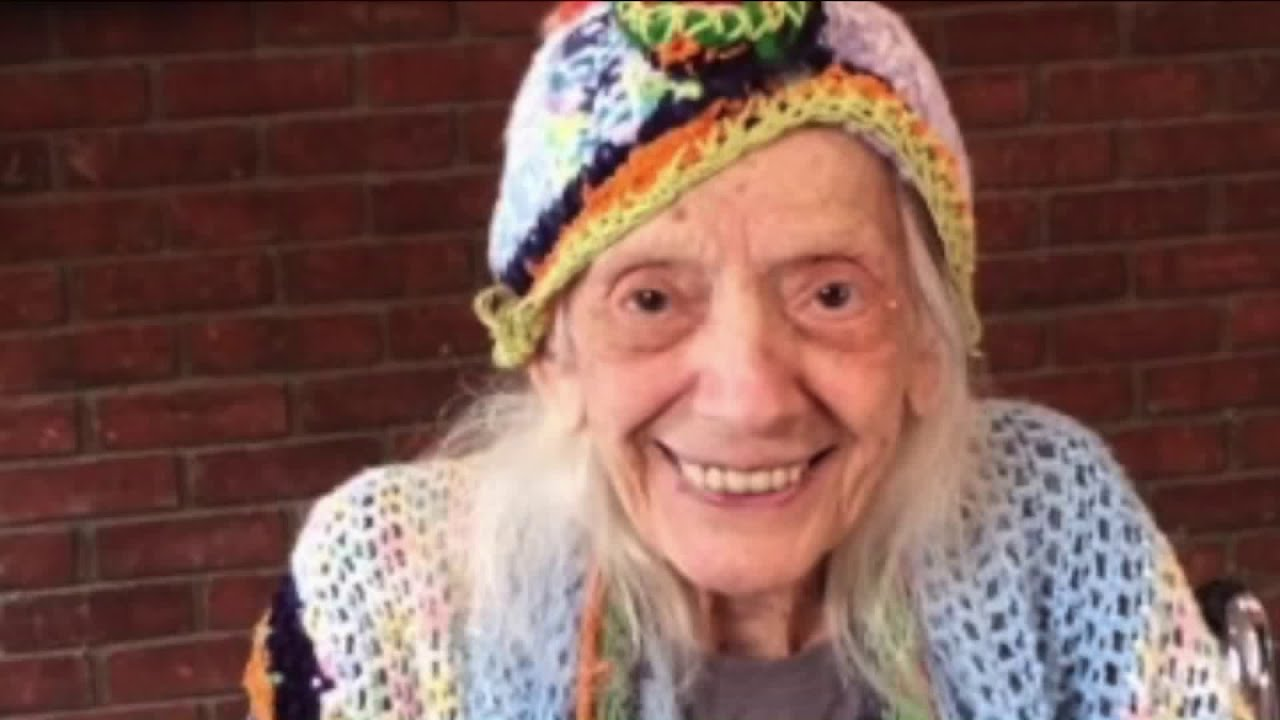 102-year-old nursing home resident, Angelina Friedman, who survived COVID-19 twice. | Photo: YouTube/ PIX11 News