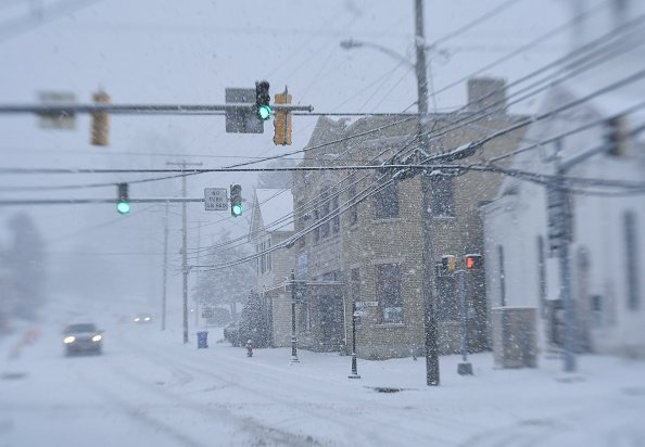 Street view of a district in Middletown during a snowstorm | Photo: Getty Images