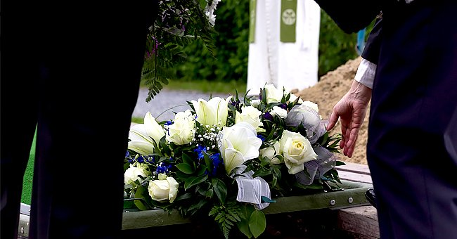 Daily Joke: Woman Appears to Be Alive during Her Funeral