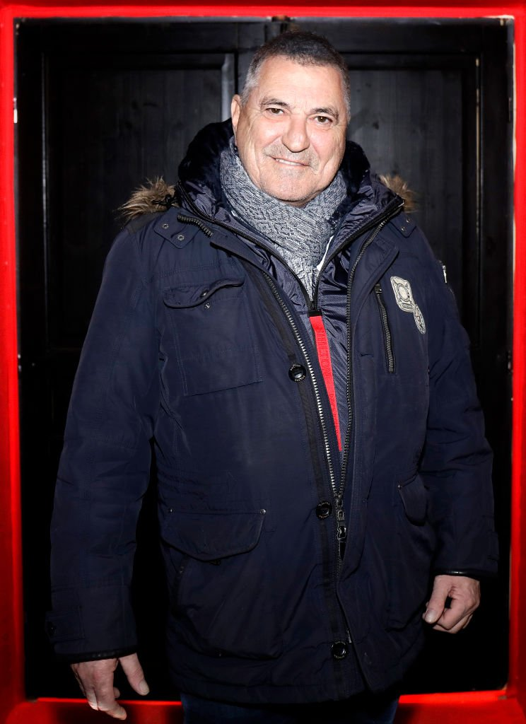 Jean-Marie Bigard pose pour la photo, 1er décembre 2012. | Photo : Getty Images