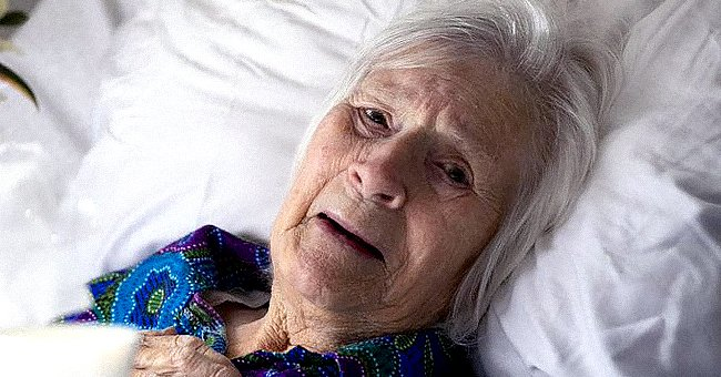 Photo of a bed bound elderly woman | Photo:  twitter.com/newscomauHQ