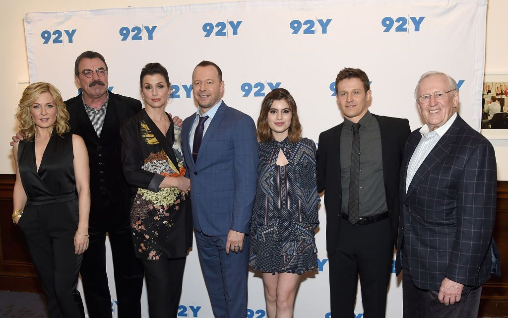 Amy Carlson,Tom Selleck,Bridget Moynahan,Donnie Wahlberg,Sami Gayle,Will Estes and Len Cariou attend the Blue Bloods 150th Episode Celebration at 92nd Street Y on March 27, 2017 in New York City | Photo: Getty Images