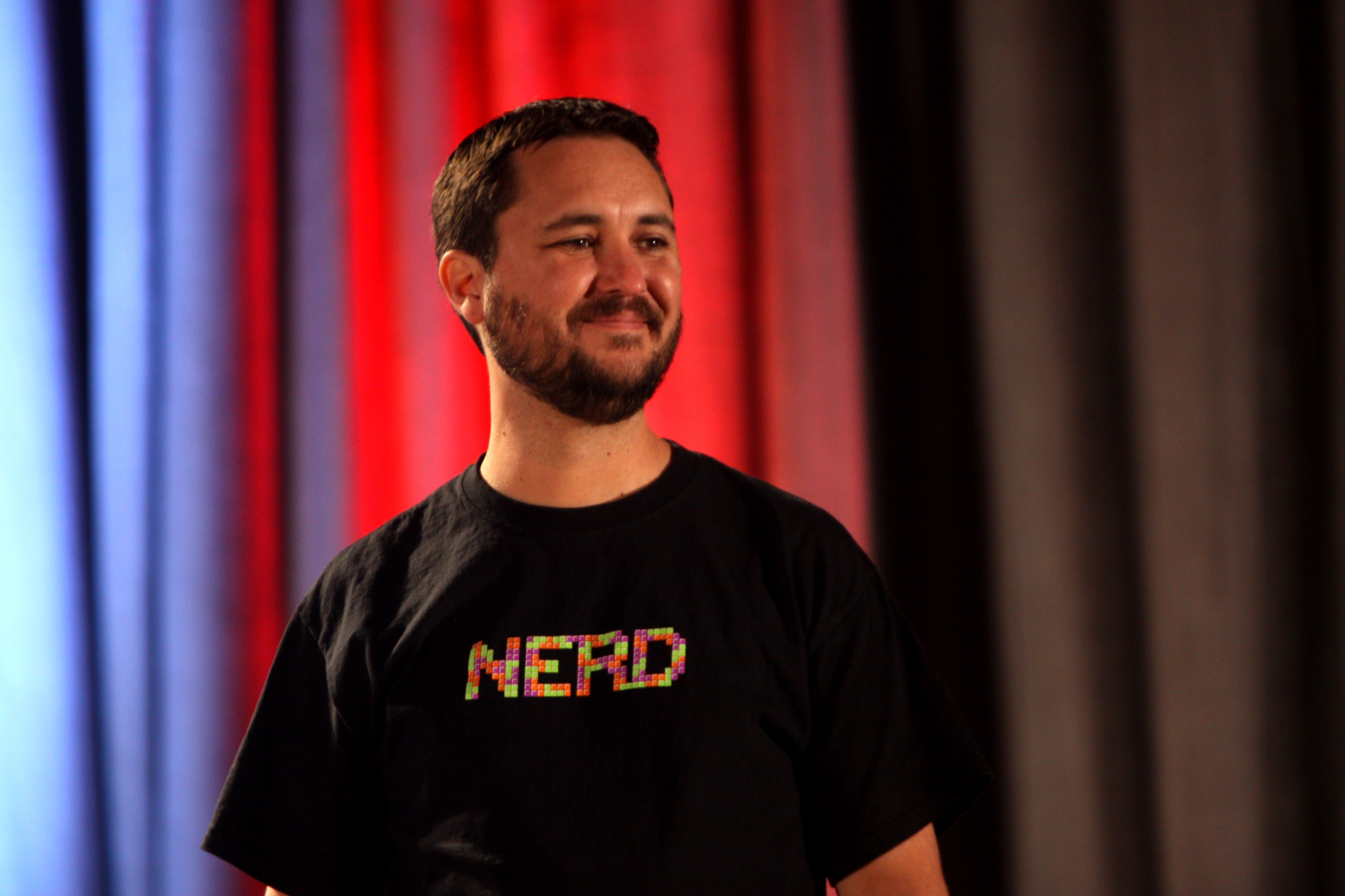 Wil Wheaton speaking at the 2012 Phoenix Comicon on May 27, 2012 in Phoenix, Arizona   Photo: Gage Skidmore, CC BY-SA 2.0, Wikimedia Commons