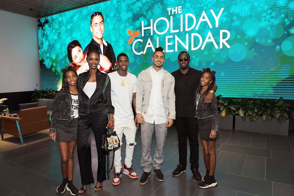 Kim Porter and Diddy flanked by their children, D'Lila Star and Jessie James Combs, Christian Combs, and Quincy Brown in October 2018, just a few weeks before Kim's passing. | Photo: Getty Images
