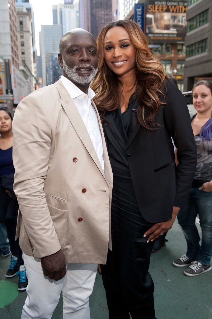 Peter Thomas and Cynthia Bailey in Times Square in April 2014. | Photo: Getty Images