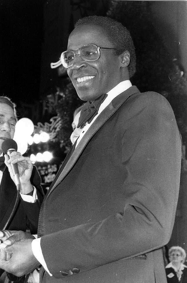 Robert Guillaume at the premiere of Seems Like Old Times. | Source: Wikimedia Commons