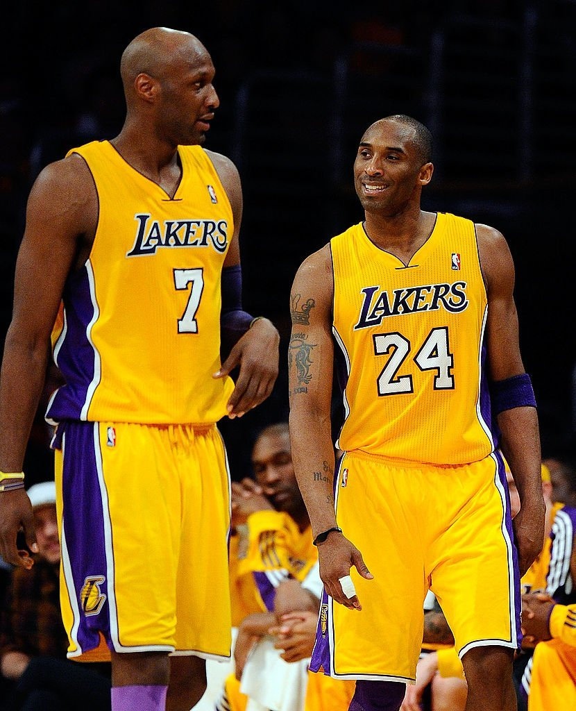 Lamar Odom #7 stands next to Kobe Bryant #24 of the Los Angeles Lakers while taking on the New Orleans Hornets in Game Two of the Western Conference Quarterfinals in the 2011 NBA Playoffs | Photo: Getty Images