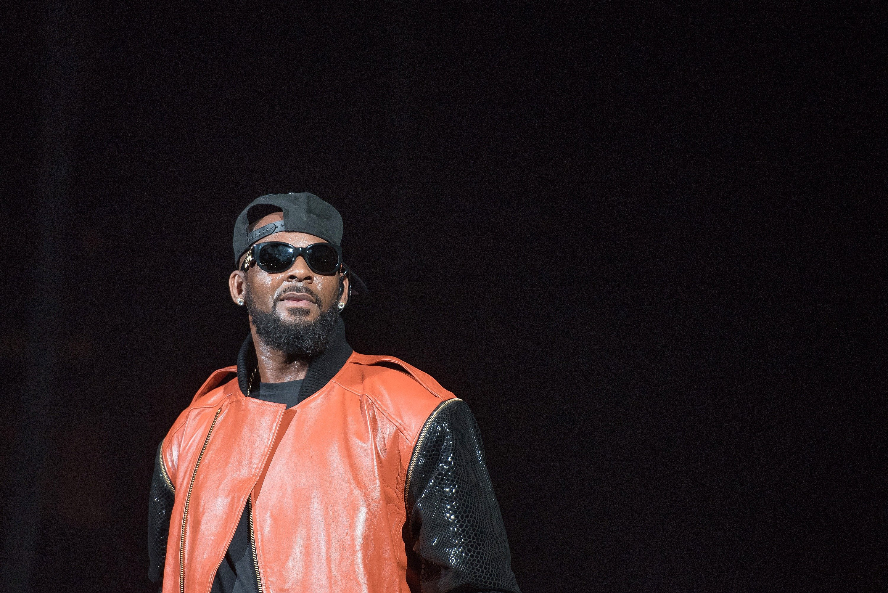 R. Kelly performs in New York City. September 25, 2015. | Source: GettyImages/Global Images of Ukraine