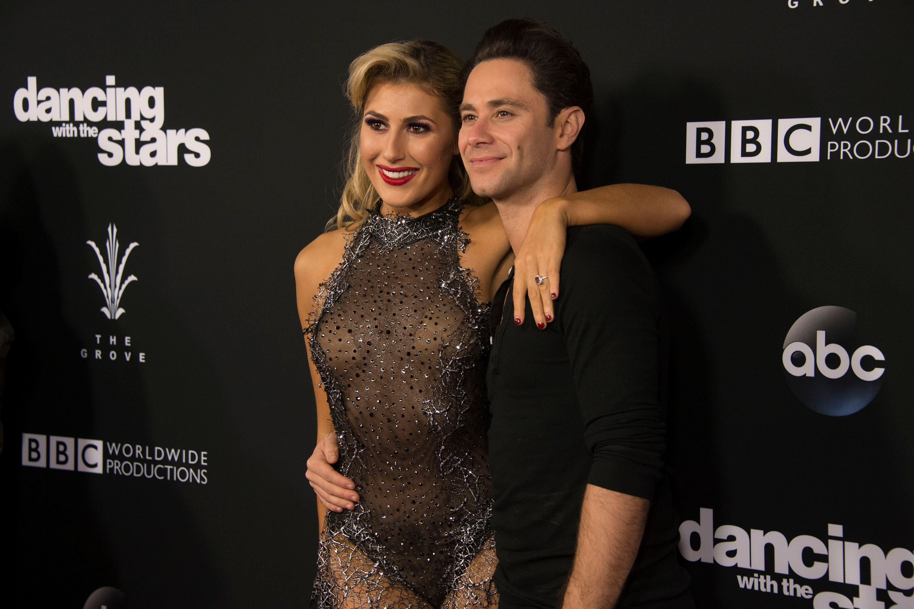 """Sasha Farber and Emma Slater in the 2312 Episode of """"Dancing With The Stars"""" on November 22, 2016   Photo: Getty Images"""