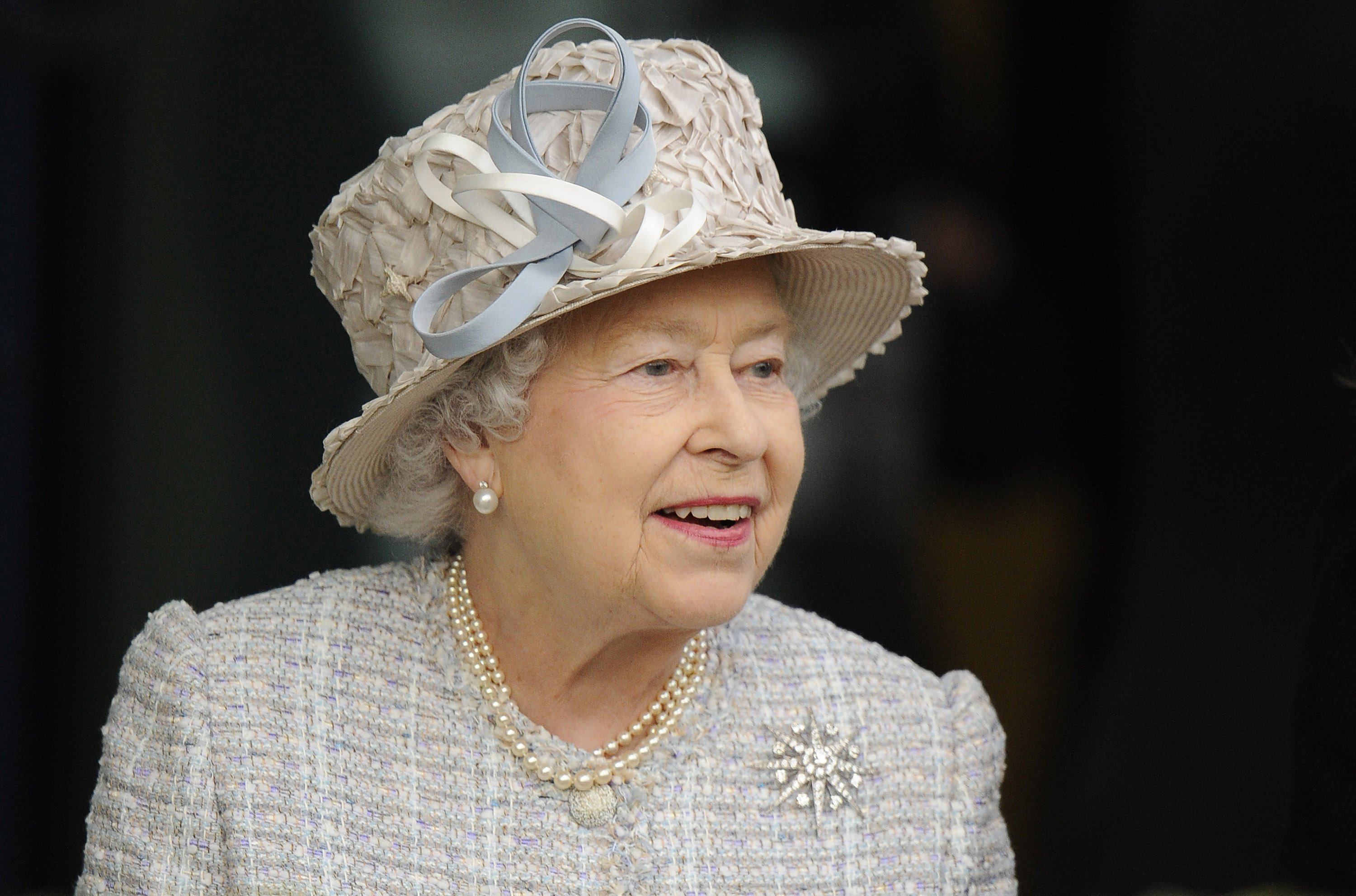 Queen Elizabeth attends Ascot racecourse on October 20, 2012 in Ascot, England. | Photo: Getty Images
