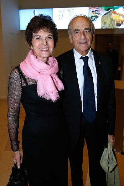 "Jean-Pierre Elkabbach et son épouse Nicole Avril assistent aux ""Icones de l'Art Moderne, La Collection Chtchoukine"" : Cocktail à la Fondation Louis Vuitton le 20 octobre 2016 à Paris, France. 