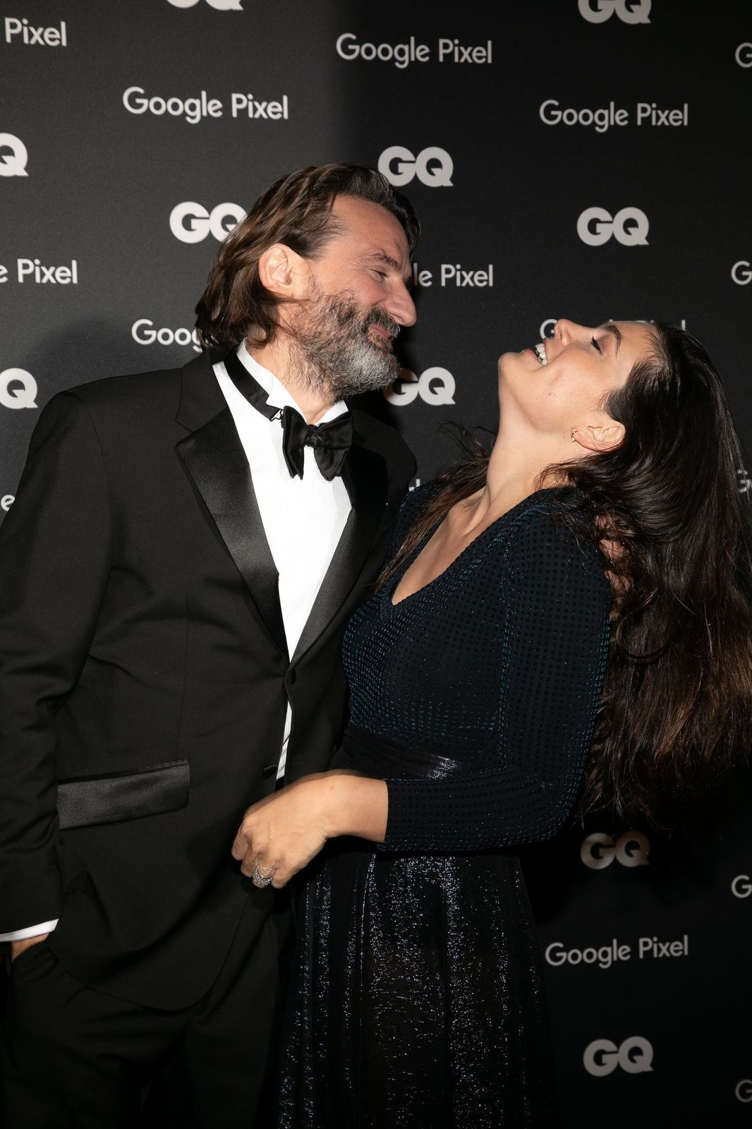 L'animateur Frédéric Beigbeder et son épouse Lara Micheli assistent à la remise des prix GQ Men of the Year 2018 au Centre Pompidou le 26 novembre 2018 à Paris, France. | Photo : Getty Images