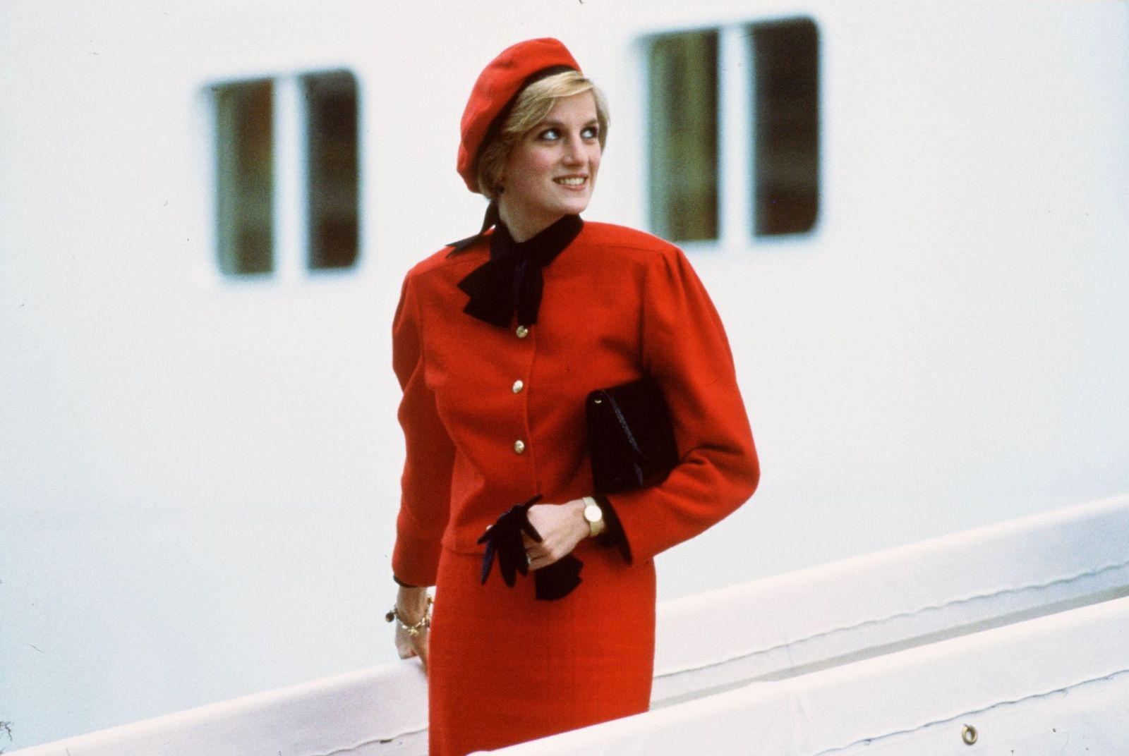 """Princess Diana wore a charm bracelet aboard the new P&O cruise liner """"Royal Princess"""" on November 15, 1984   Photo: Getty Images"""