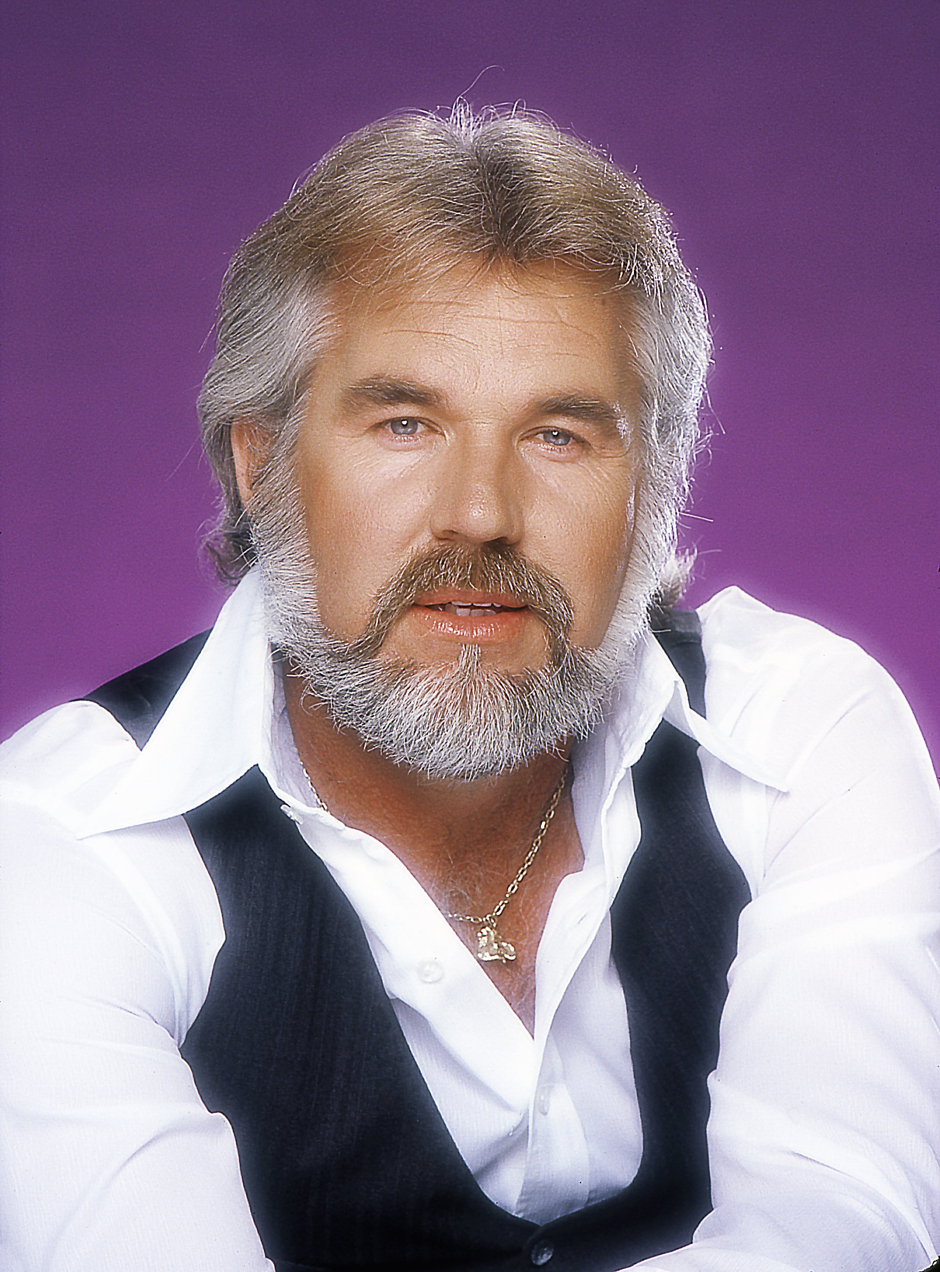 Portrait of Kenny Rogers in 1979 in Los Angeles | Photo: Getty Images
