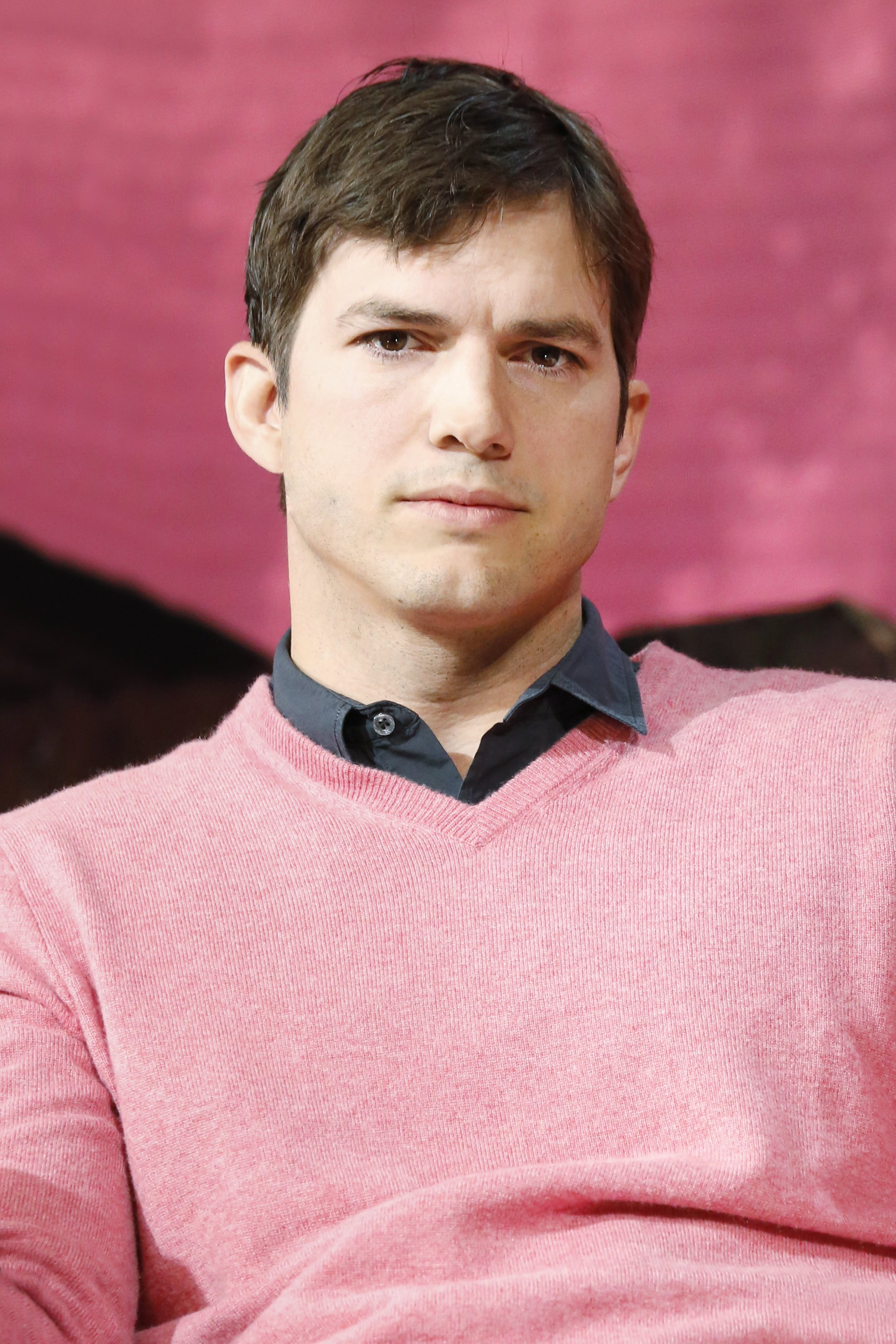 Ashton Kutcher appears on stage during the 'The Game Plan: Strategies for Entrepreneurs' Airbnb Open 2016 on November 19, 2016, in Los Angeles, California. | Source: Getty Images.