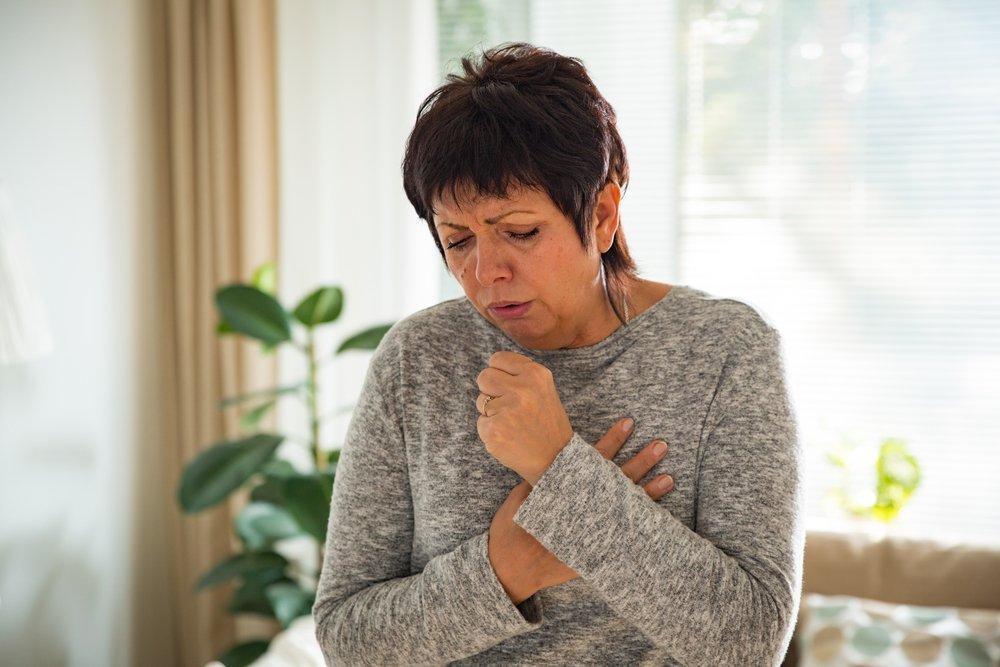 Mujer tosiendo | Imagen tomada de Shutterstock