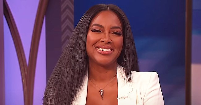 Kenya Moore's Daughter Shows Intelligence as She Correctly Identifies Flashcards in a Video