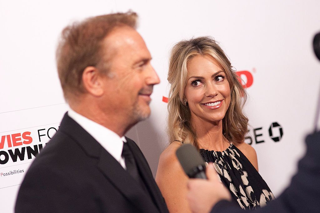 Kevin Costner and Christine Baumgartner at the 14th Annual Movies For Grownups Awards Gala on February 2, 2015 | Photo: GettyImages
