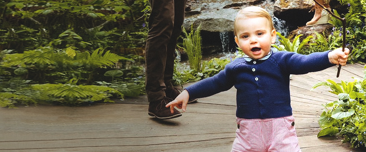 Prince Louis, 1, Smiles and Confidently Walks by Himself in New Video