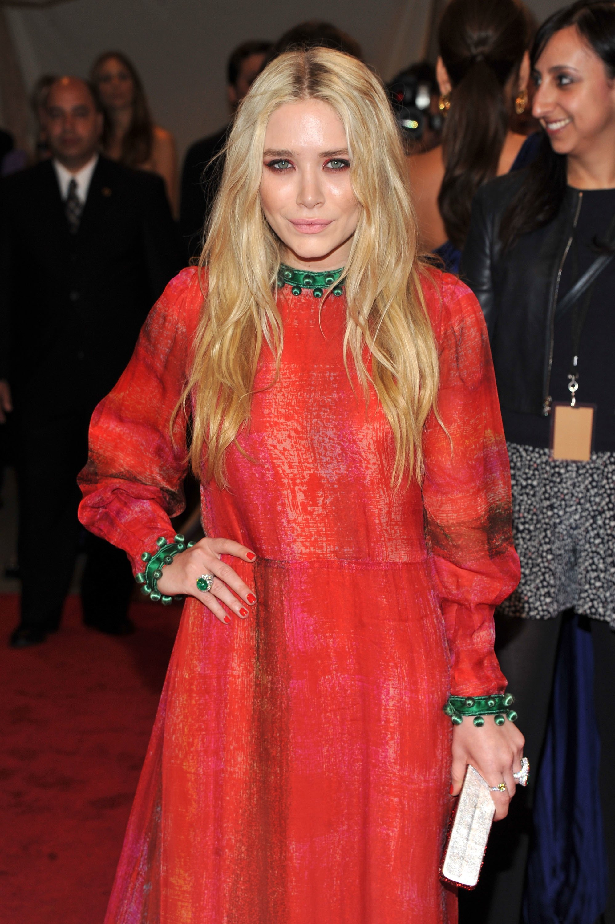"Mary-Kate Olsen attends the ""Alexander McQueen: Savage Beauty"" Costume Institute Gala at The Metropolitan Museum of Art on May 2, 2011 in New York City 