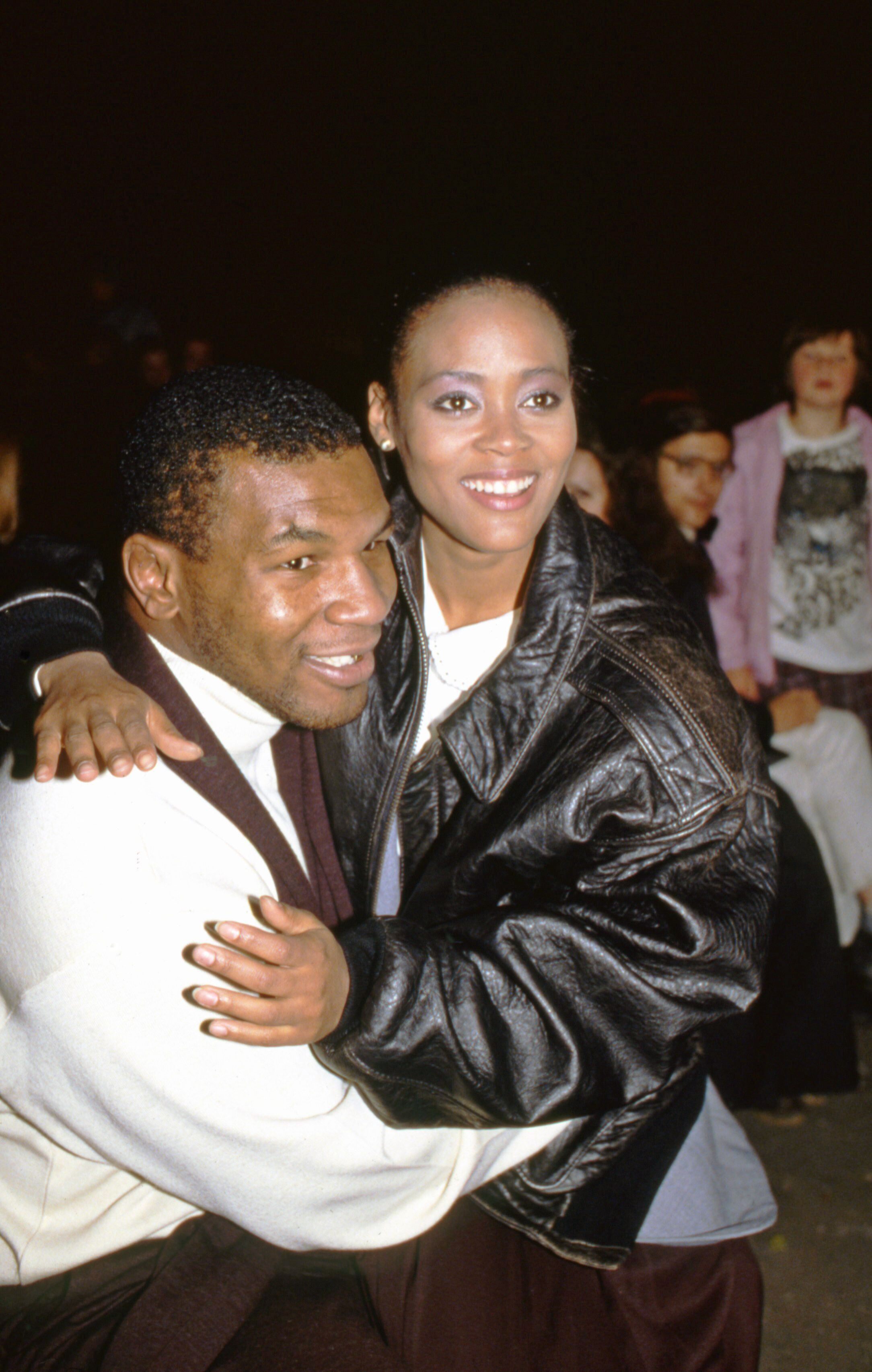 Mike Tyson with Robin Givens  in Moscow on September 15, 1988 | Source: Getty Images