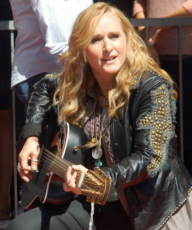 Melissa Etheridge performing at a September 2011 ceremony where she received a star on the Hollywood Walk of Fame | Photo: Wikimedia Commons Images