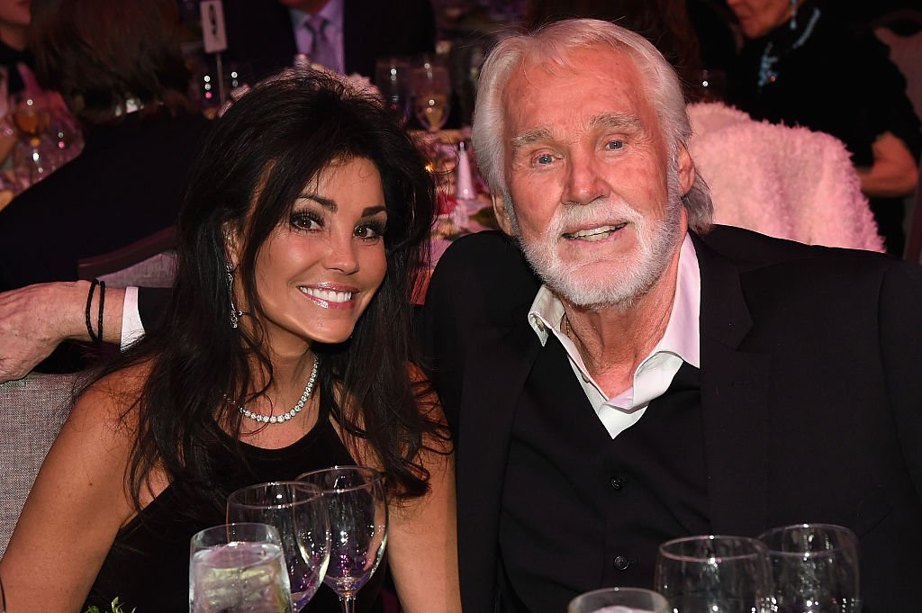 Wanda Miller and Kenny Rogers attend the T.J. Martell Foundation 8th Annual Nashville Honors Gala at the Omni Nashville Hotel on February 29, 2016 in Nashville, Tennessee. | Photo: Getty Images.