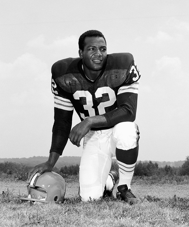 Running back Jim Brown #32, of the Cleveland Browns, poses for a portrait during training camp on July 24, 1958 at Hiram College in Hiram, Ohio. I Image: Getty Images.