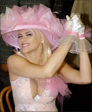 Anna Nicole Smith at the 130th Kentucky Derby May 1, 2004 in Louisville | Source: Getty Images