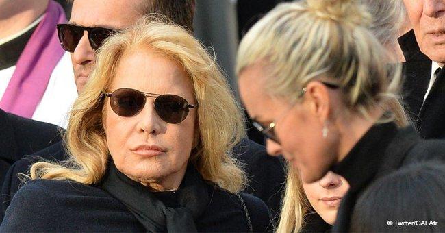 """""""Elle avait du mal à remplir les salles"""" : Le clan de Laeticia Hallyday pique Sylvie Vartan"""