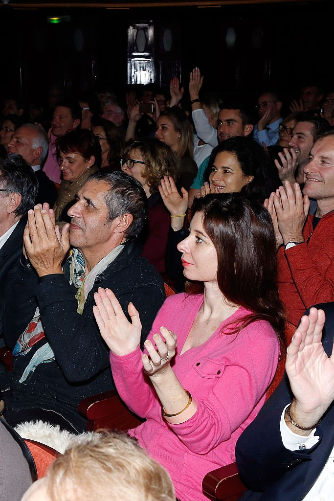 Julien Clerc et Hélène Grémillon au théâtre. l Source : Getty Images