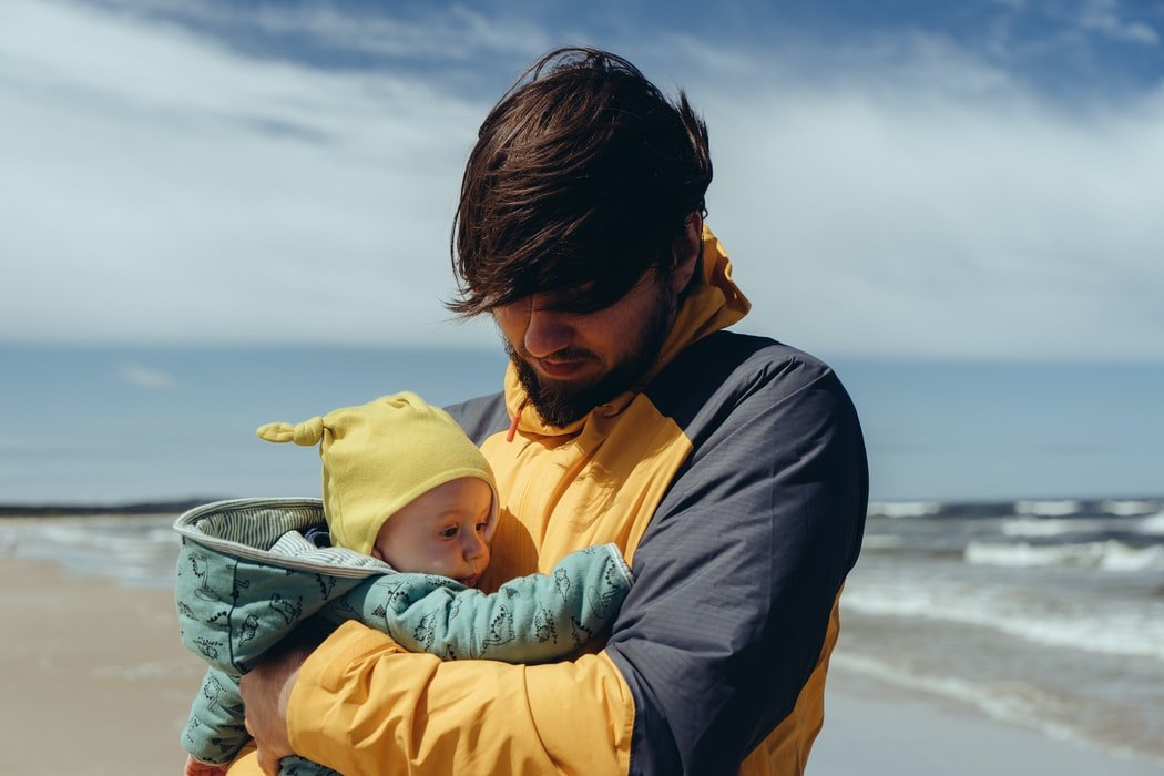 I held my son in my hands for the first time | Source: Unsplash