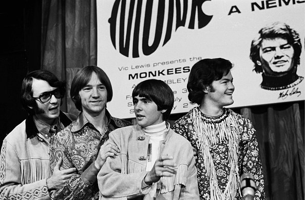 The Monkees pose at a press conference at The Royal Garden Hotel, London. | Photo: Getty Images