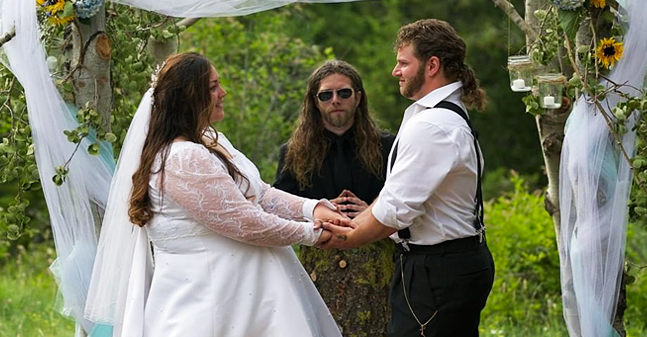 'Alaskan Bush People' Fans Congratulate Gabe and Raquell Brown after Their Pregnancy Announcement