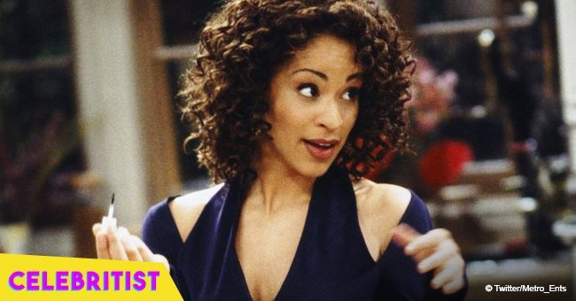 Remember Hilary from 'Fresh Prince of Bel-Air'? She's now 51 & stuns in striped maxi dress in pic