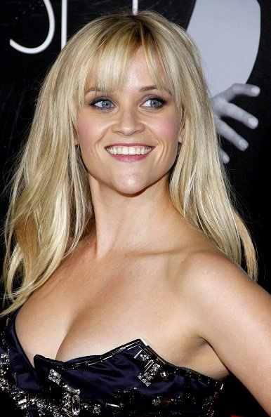 Reese Witherspoon at the Grauman's Chinese Theatre in Los Angeles, USA on February 8, 2012. | Photo: Getty Images
