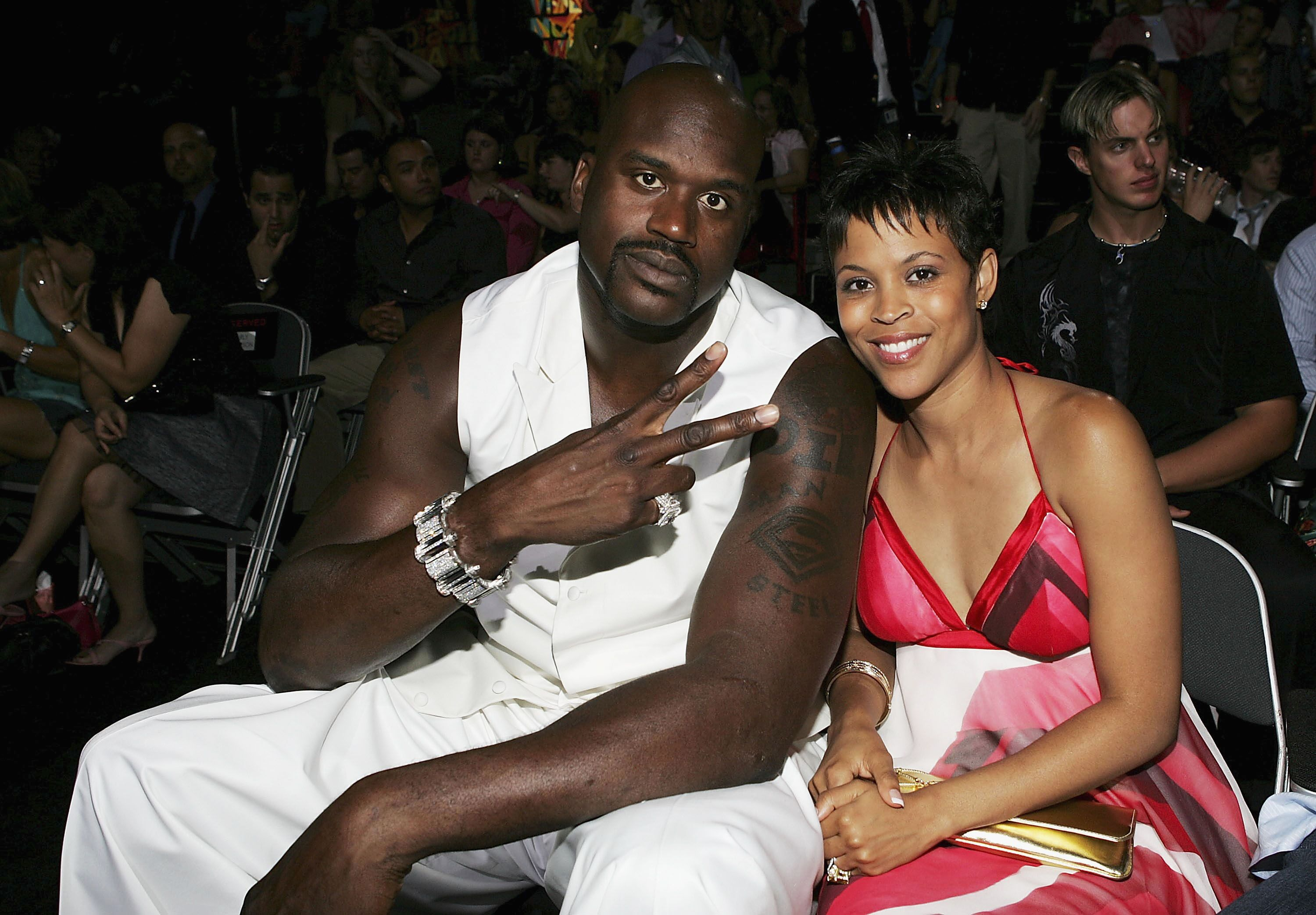 Shaquille O'Neal et son épouse Shaunie O'Neal aux MTV Video Music Awards 2004. | Source : Getty Images