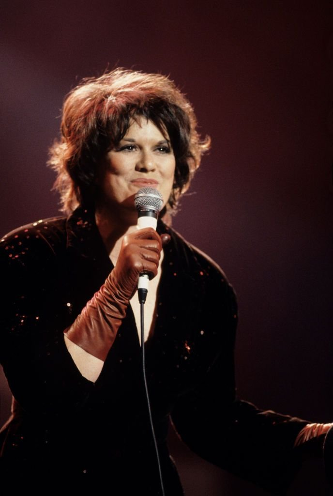 Country star KT Oslin performing at Farm Aid in Indianapolis, Indiana in April 1990   Source: Getty Images