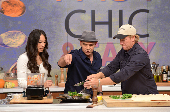 Chip and Joanna Gaines as well as Victoria Justice cooking as guests on Walt Disney Television on Wednesday, October 19, 2016 | Photo: Getty Images