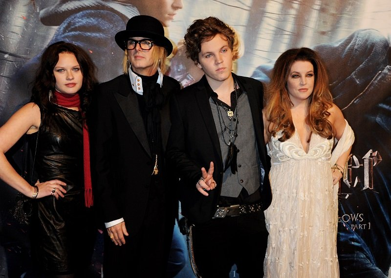 Michael Lockwood, Benjamin Keough, Lisa Marie Presley, and a guest at Odeon Leicester Square on November 11, 2010 in London, England | Photo: Getty Images