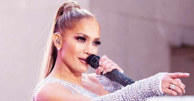 Jennifer Lopez Twins with 11-Year-Old Mini-Me Daughter Emma in a Show-Stealing Duet