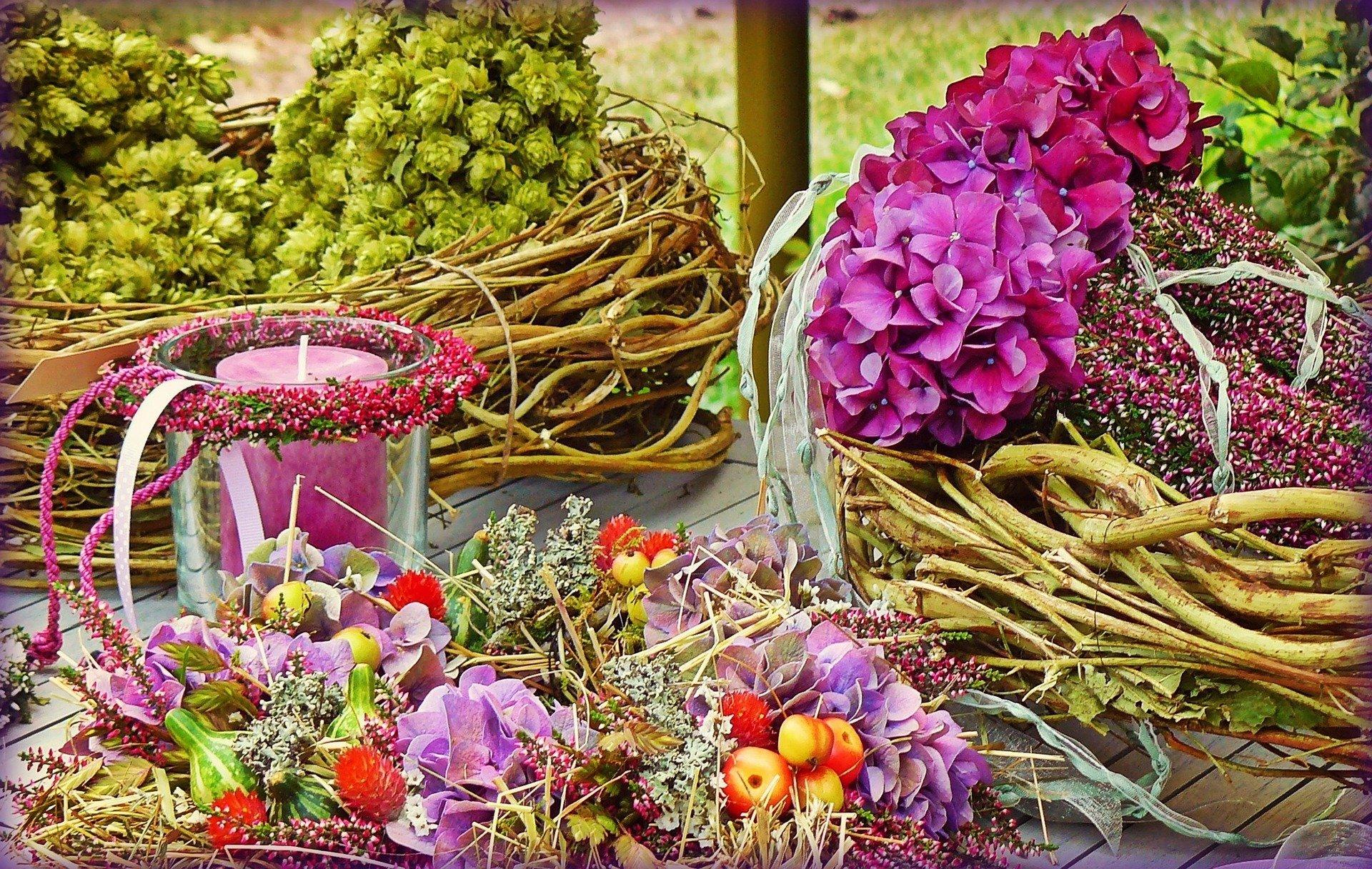 Arreglos florales. | Fuente: cocoparisienne / Pixabay