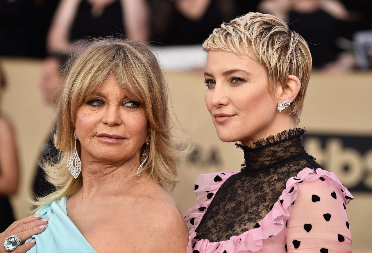 Goldie Hawn and Kate Hudson attend the 24th Annual Screen Actors Guild Awards at The Shrine Auditorium. | Source: Getty Images