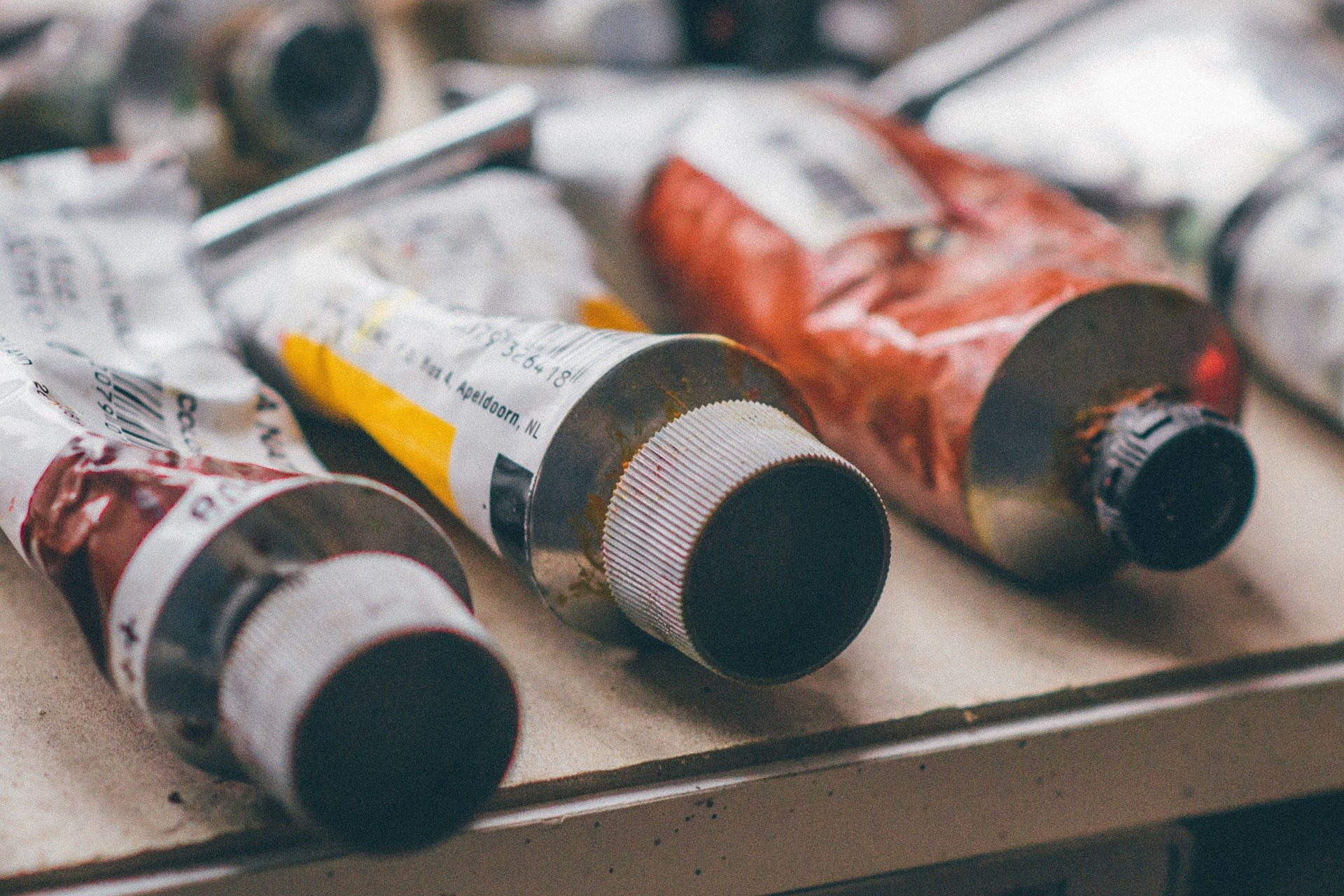 Paint supplies. | Source: Pixabay
