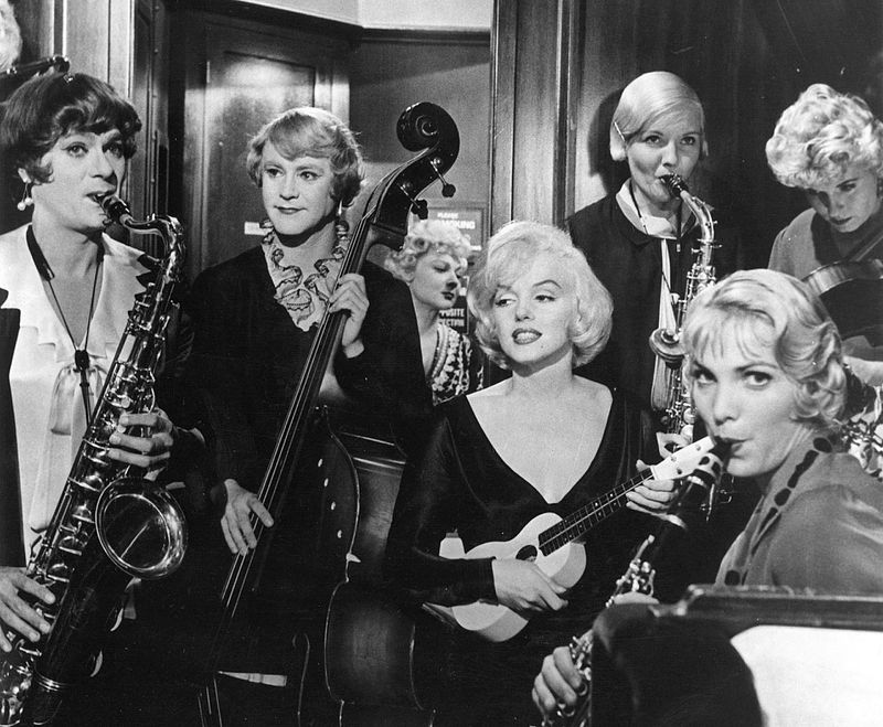 """Marilyn Monroe with Tony Curtis and Jack Lemmon in Billy Wilder's 1959 hit """"Some Like It Hot"""" 