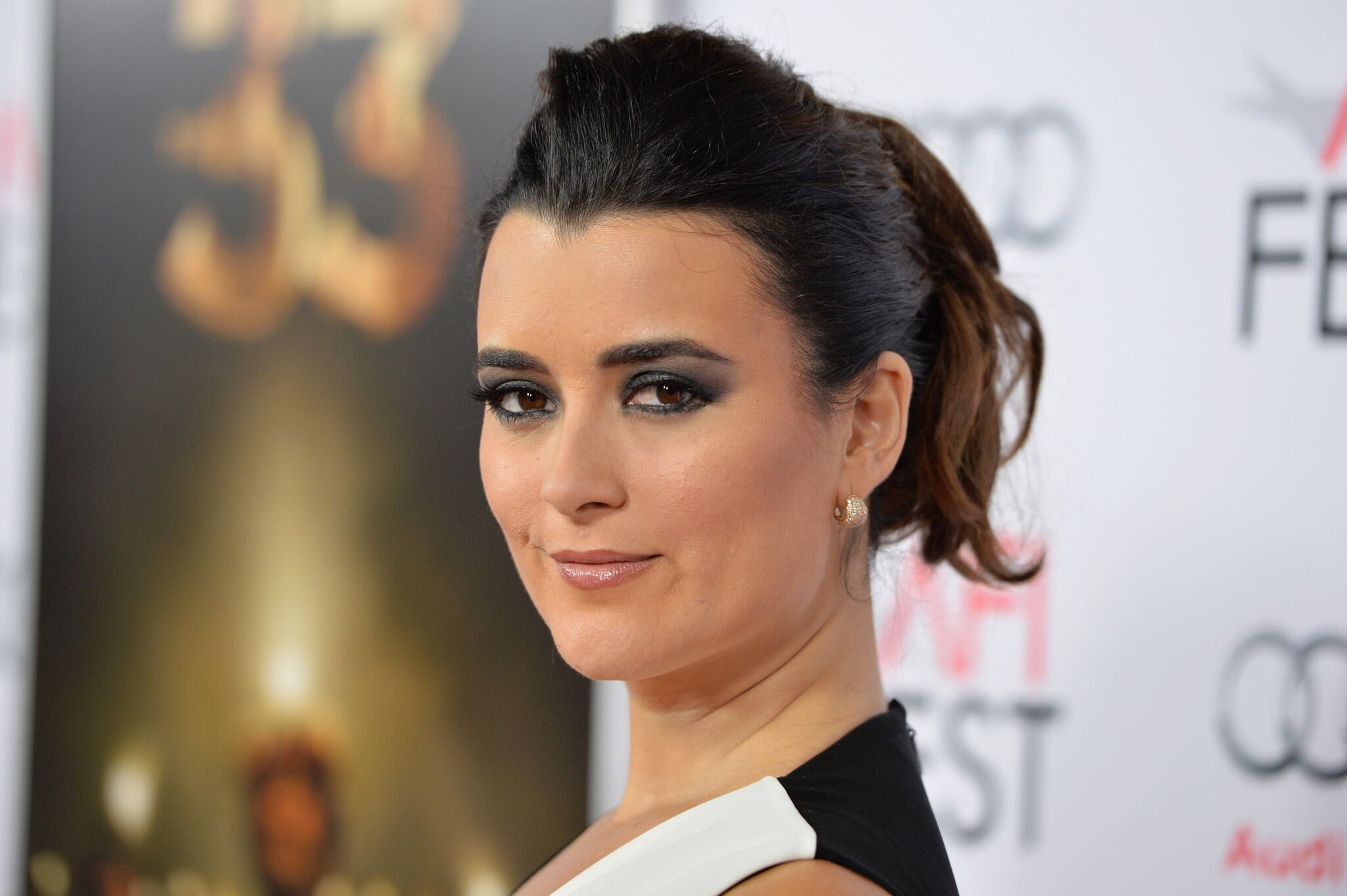 "Actress Cote de Pablo attends the Centerpiece Gala Premiere of Alcon Entertainment's ""The 33"" 